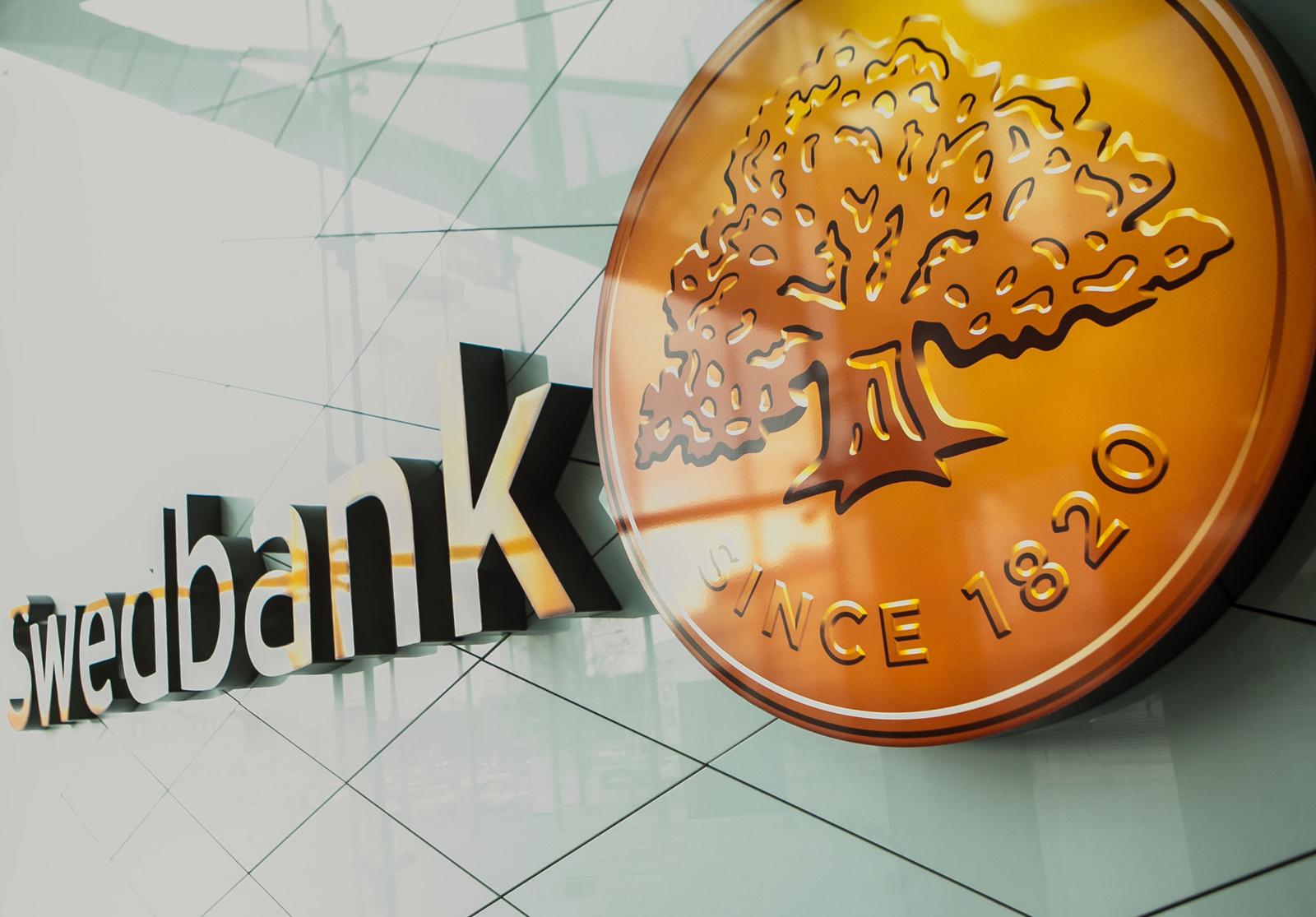 """Savaitgalį galimi sutrikimai atsiskaitant """"Swedbank"""" kortelėmis"""