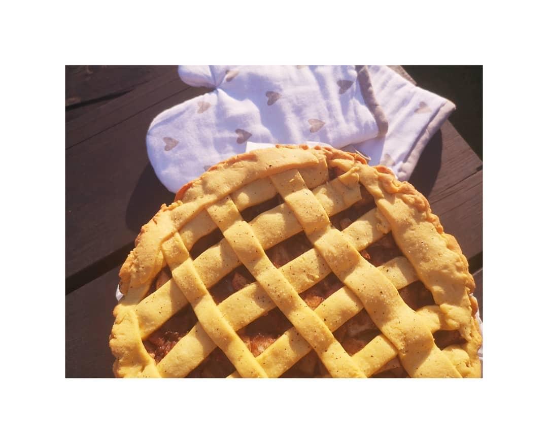 Lenkiškoji Šarlotka - tobulas  ir greitas obuolių pyragas