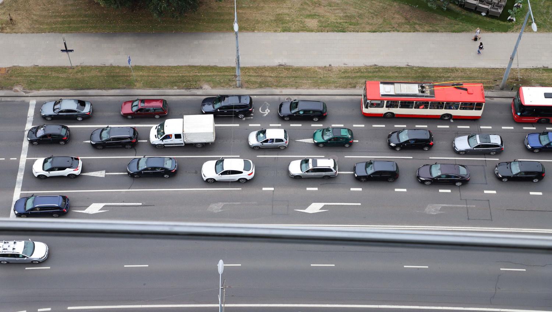 Automobilių pirmos registracijos mokesčio projektas atsidurs ant Seimo narių darbo stalų