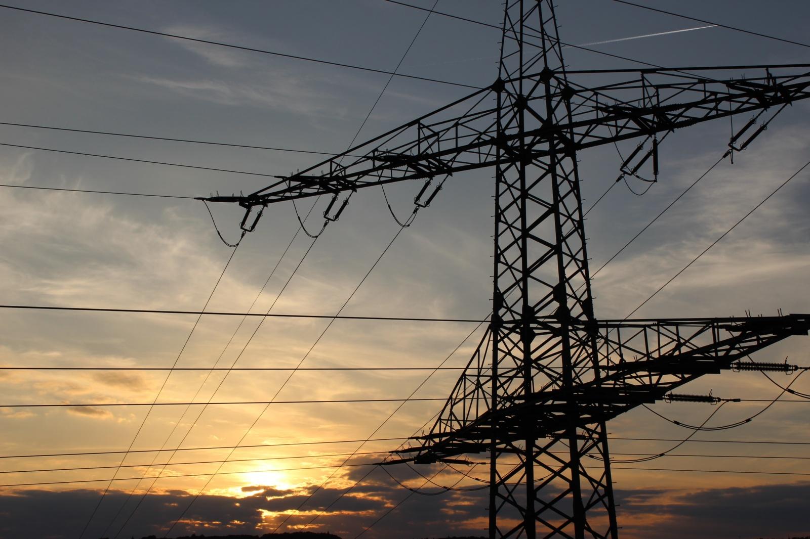 Rugpjūtį elektra pabrango, tačiau buvo pigesnė nei prieš metus