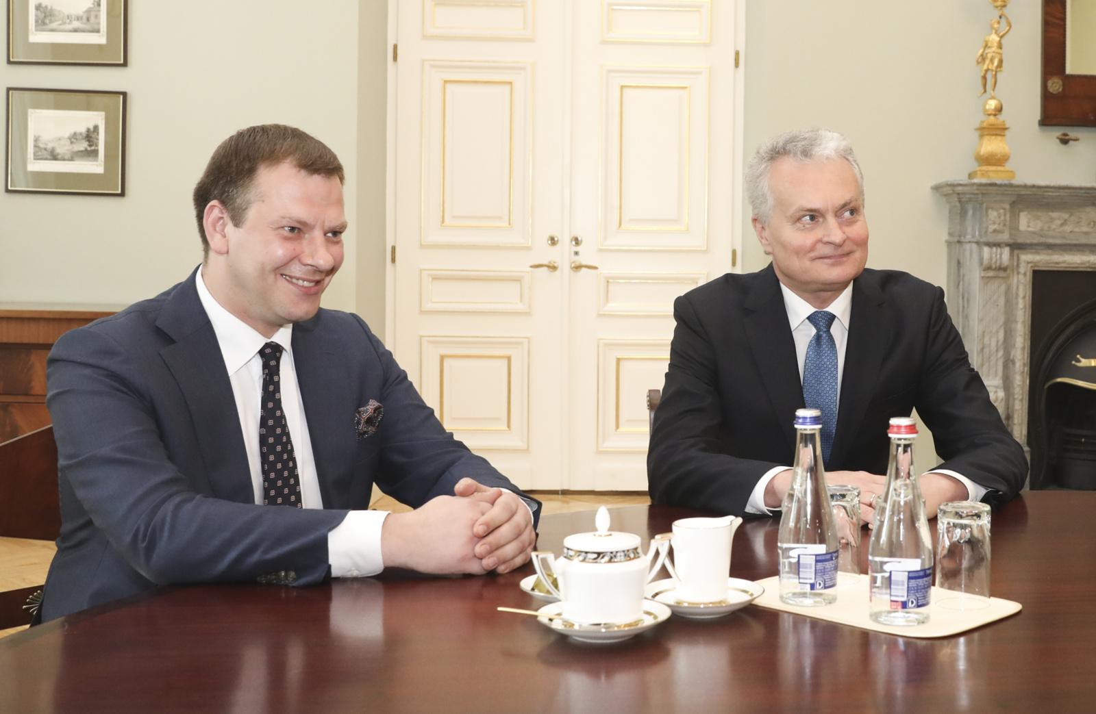 """V. Šapoka pakomentavo prezidento siūlymus: reikia nusiimti rožinius akinius ir formuoti """"realybės biudžetą"""""""