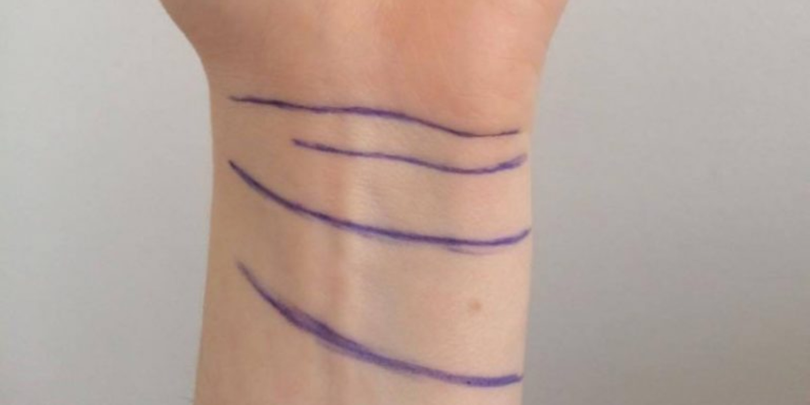 Pasitikrinkite, ką apie jus byloja linijos ant riešo