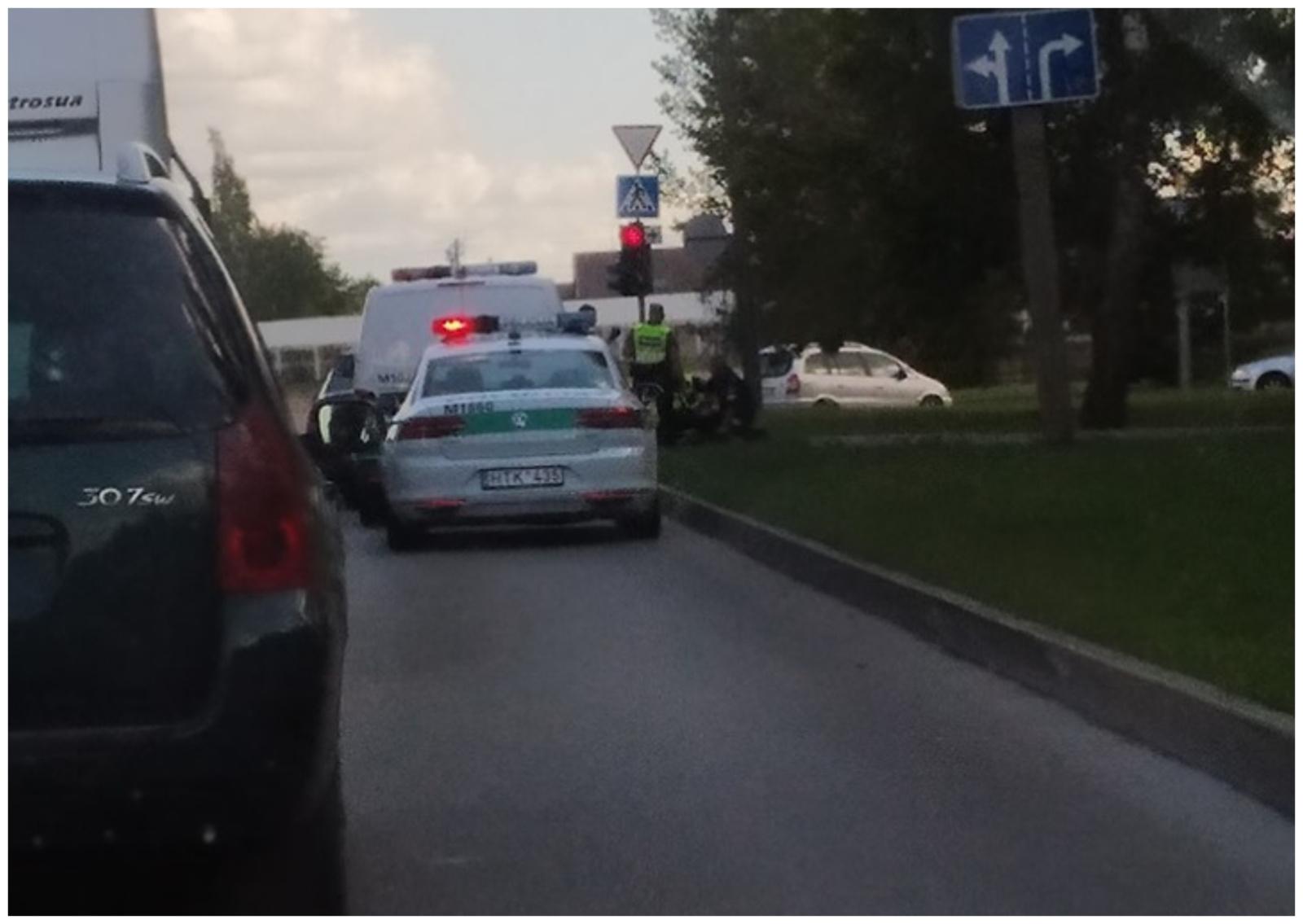 Lyg veiksmo filme: Marijampolėje policija vijosi ir sulaikė tris vyrus