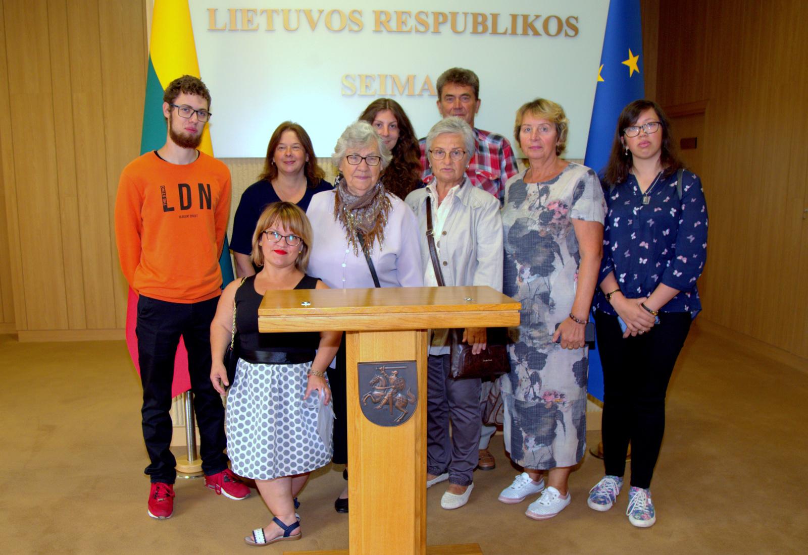 Jaunųjų Utenos dailininkų paroda Seime