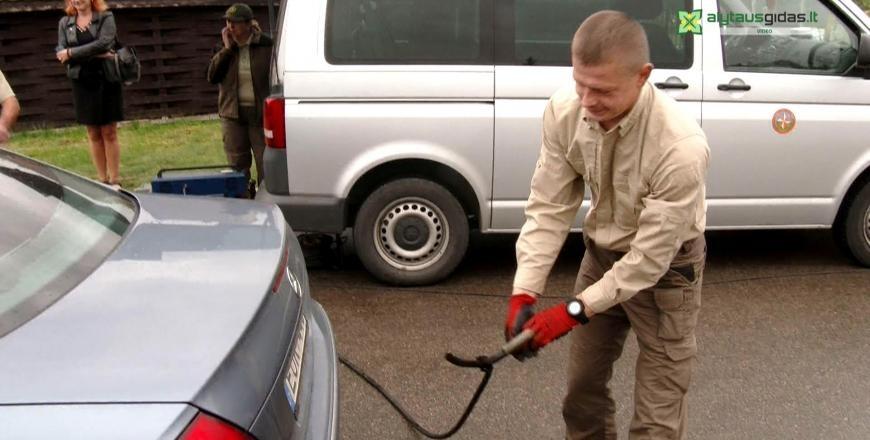 Ar būtų kam mokėti taršos mokestį? Alytuje patikrinti automobiliai – stebėtinai ekologiški (vaizdo įrašas)