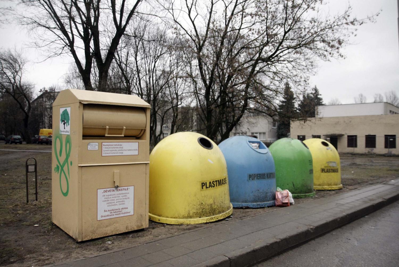 Šalia atliekų konteinerių palikti atliekas – draudžiama