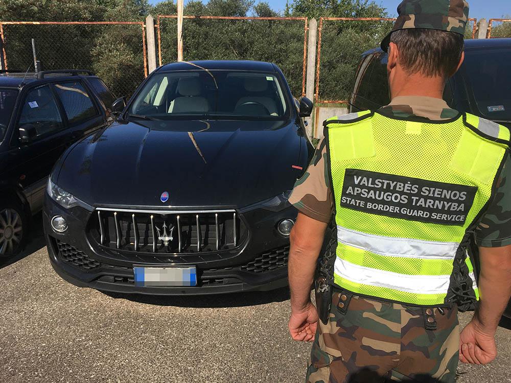 Prie sienos su Lenkija VSAT pareigūnams įkliuvo Vokietijoje ir Italijoje pavogti du automobiliai