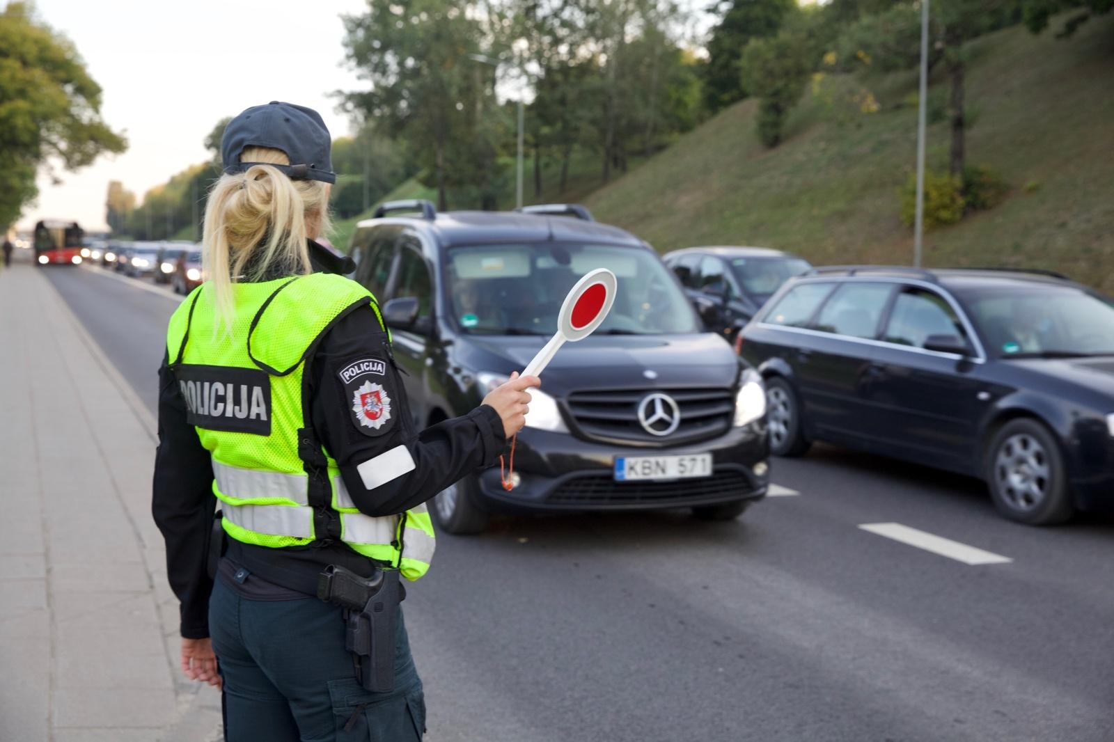 """Sostinės savivaldybės su policija surengtame reide – sustiprinta A juostų ir geltonųjų """"korių"""" kontrolė"""