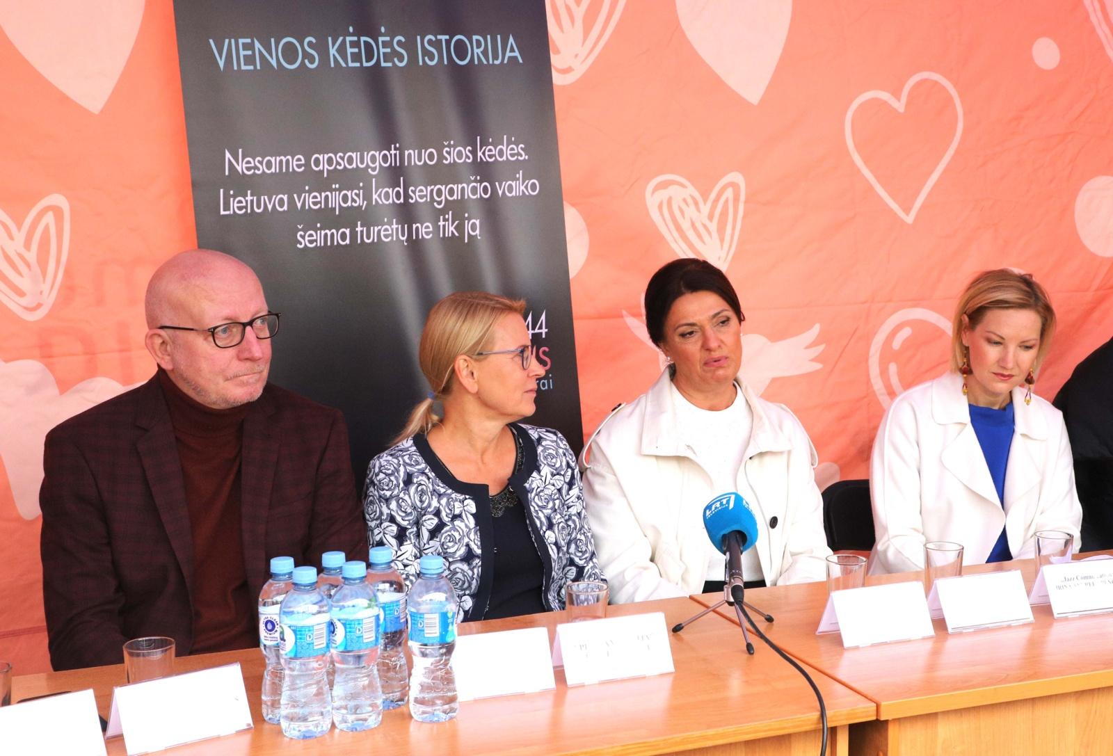 Lietuvoje – ypatinga paramos akcija, siekiant padėti su vėžiu susidūrusioms šeimoms