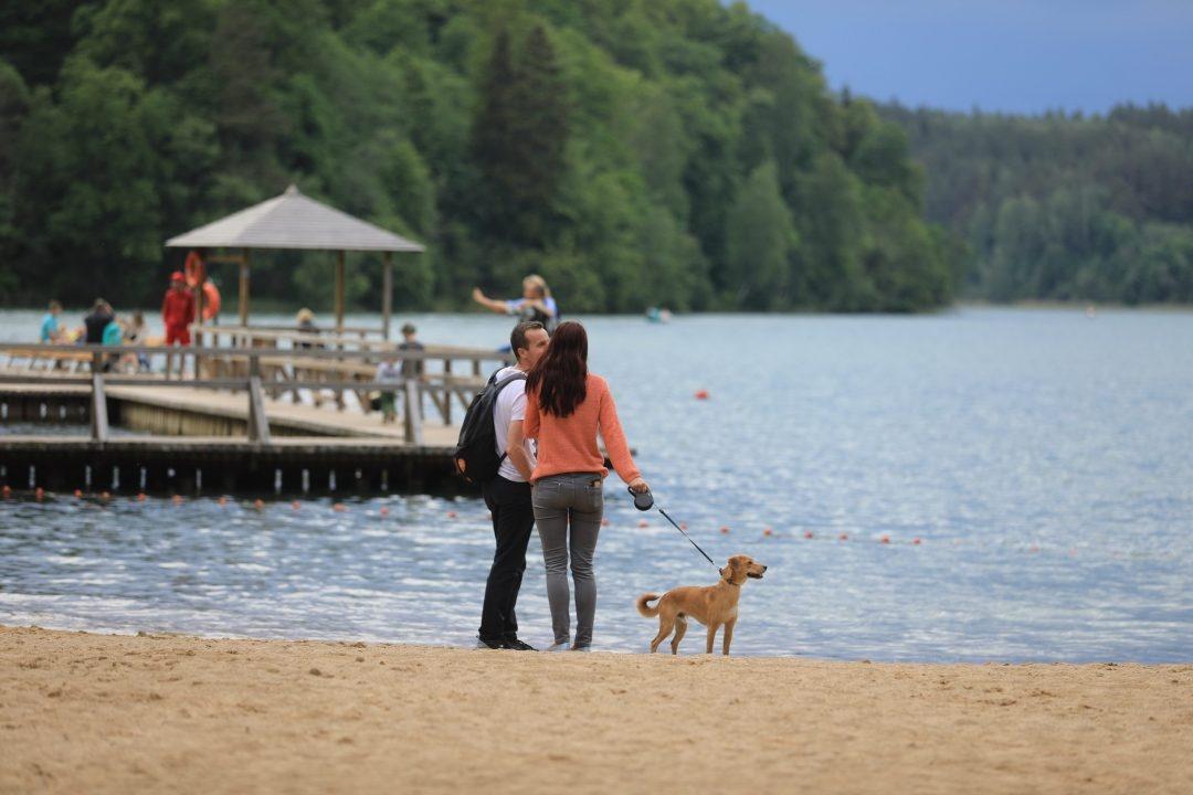 Sostinės paplūdimiuose skelbiama maudynių sezono pabaiga