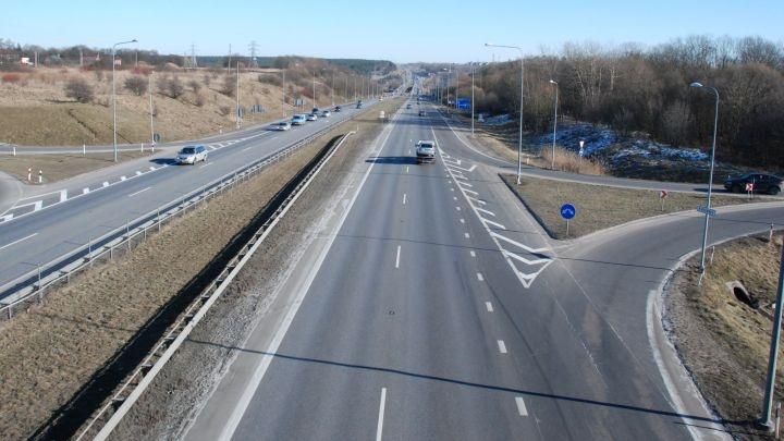 Svarbi žinia: magistralėje Vilnius–Klaipėda – daugiau kelio ženklų
