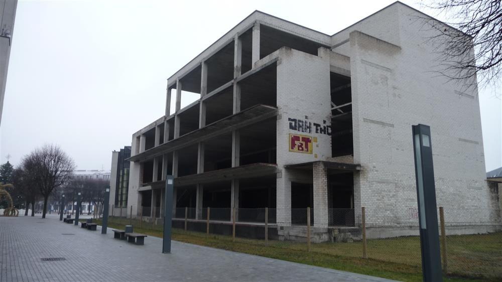 Alytuje apleisti pastatai bus apdengti tentais