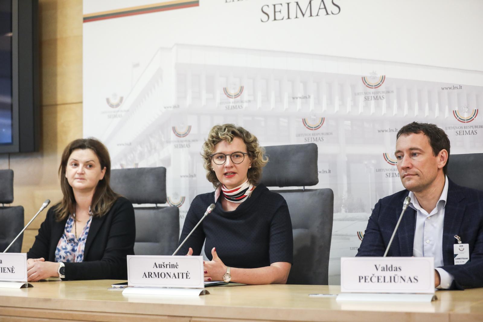 Gydytojas V. Pečeliūnas: vėžiu sergantiems inovatyvūs vaistai Lietuvoje menkai prieinami, tai turi baigtis
