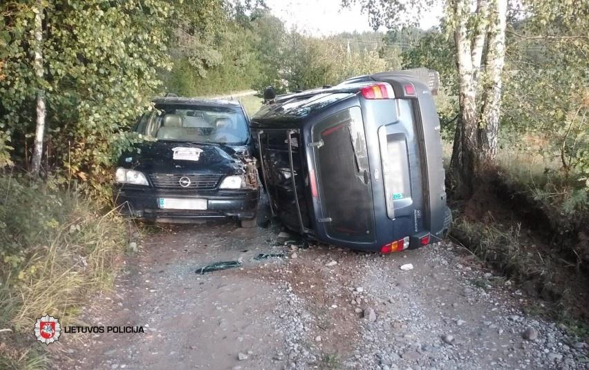 Telšiuose susidūrė saugaus greičio nepasirinkę automobiliai