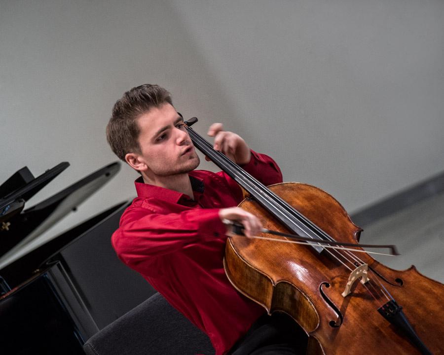 Violončelininko Augusto Gocento koncertas
