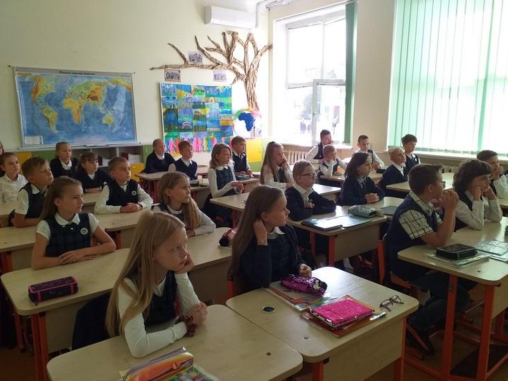 """Rimanto Stankevičiaus pagrindinės mokyklos bendruomenė jau skaito """"Vyturio"""" leidyklos skaitmenines knygas"""