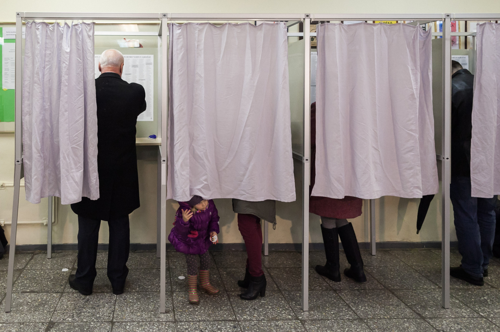 Rinkimuose į Seimą baigėsi balsavimas: aktyvumas mažesnis nei pirmajame ture