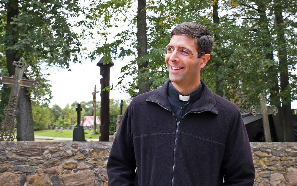 Po Amerikos ir Italijos tėvas Marcos jaukiai jaučiasi Pumpėnų ir Kriklinių parapijose