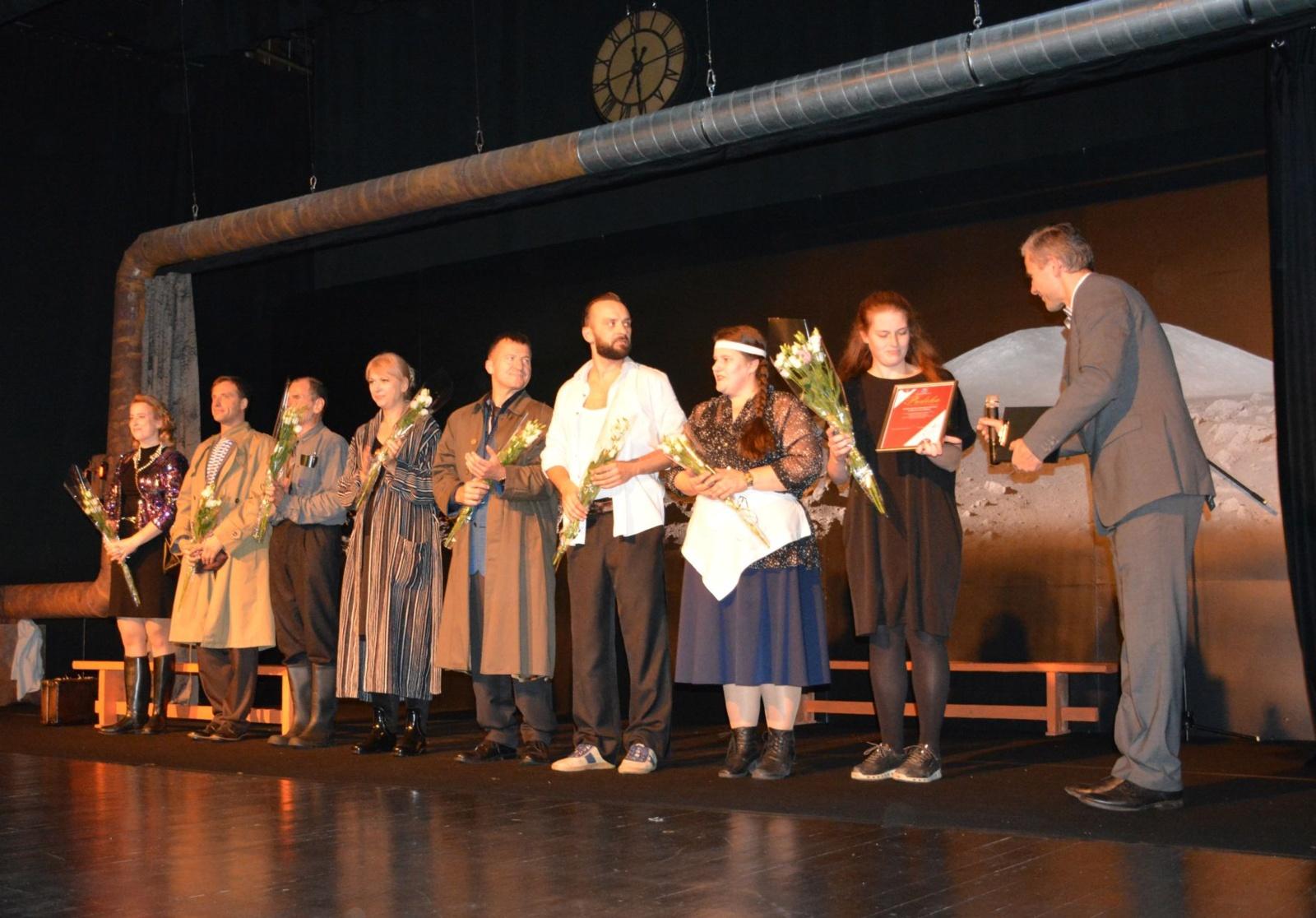 Varėnoje prasidėjo dešimtasis Dalios Tamulevičiūtės profesionalių teatrų festivalis