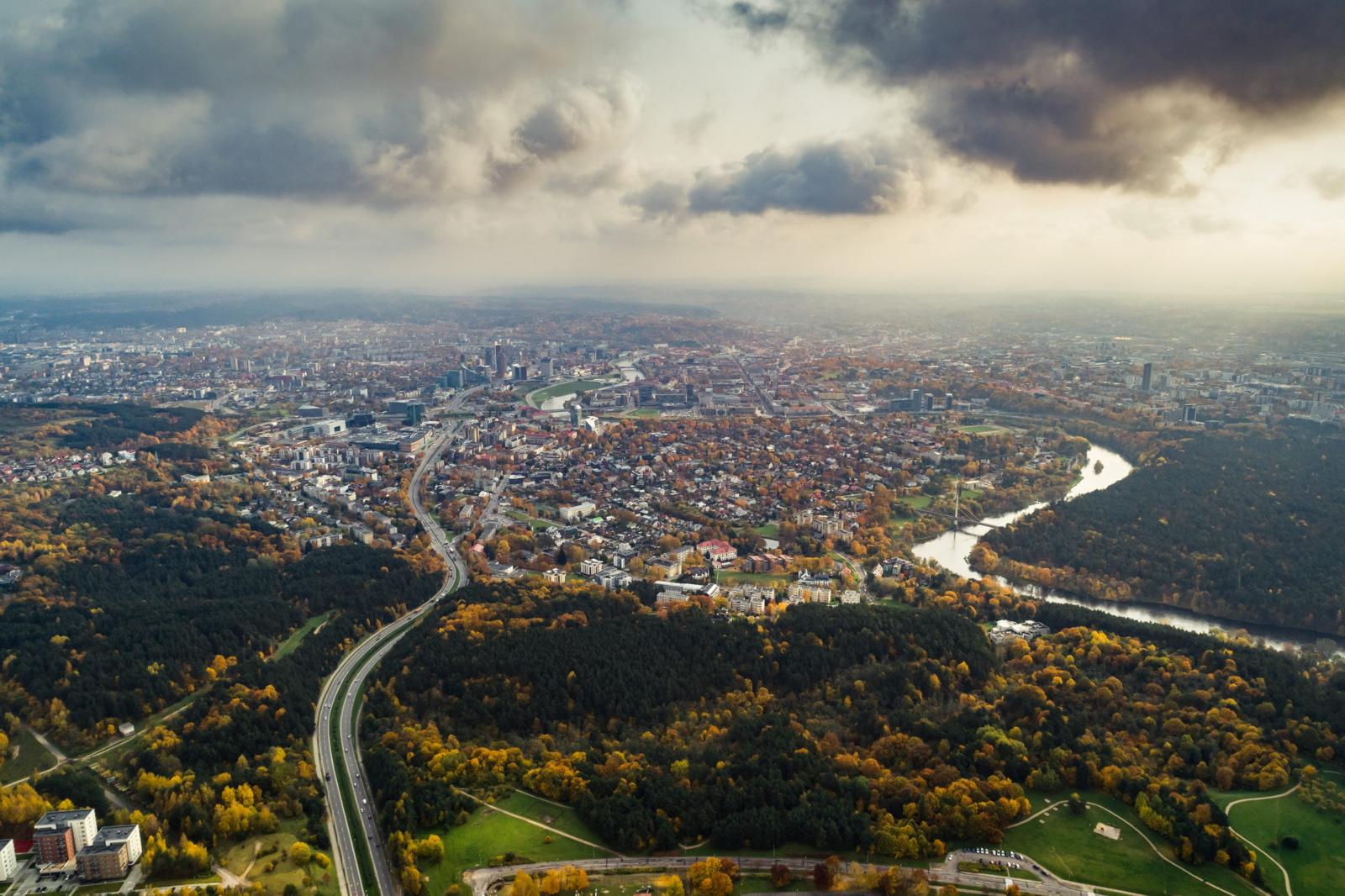 Susiruošusiems automobiliu į Vilniaus centrą patariama atlikti namų darbus