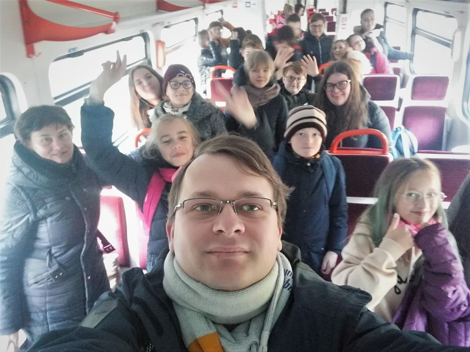 Mokytojų dienos proga – pamoka traukinyje ir patarimai, kaip kelionę su vaikais paversti linksma edukacija