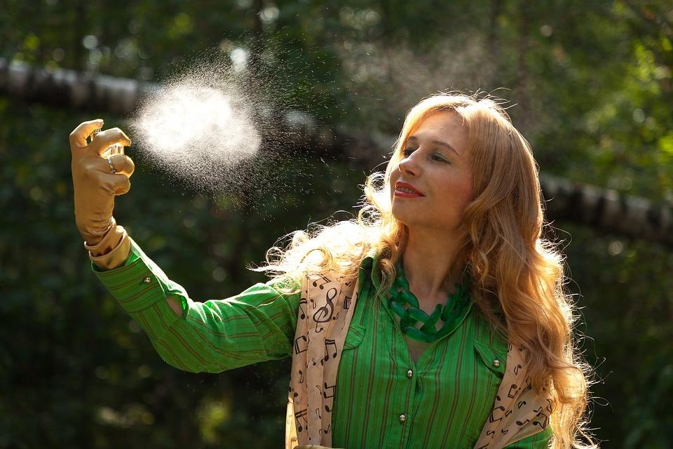 Labai paprastas triukas, kaip išlaikyti kvepalų aromatą visai dienai!