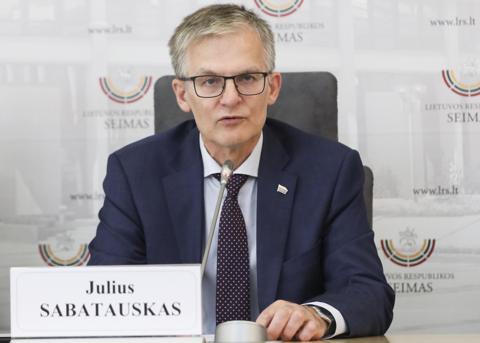 Opozicijos lyderis J. Sabatauskas ragina kuo greičiau spręsti advokatų krizę