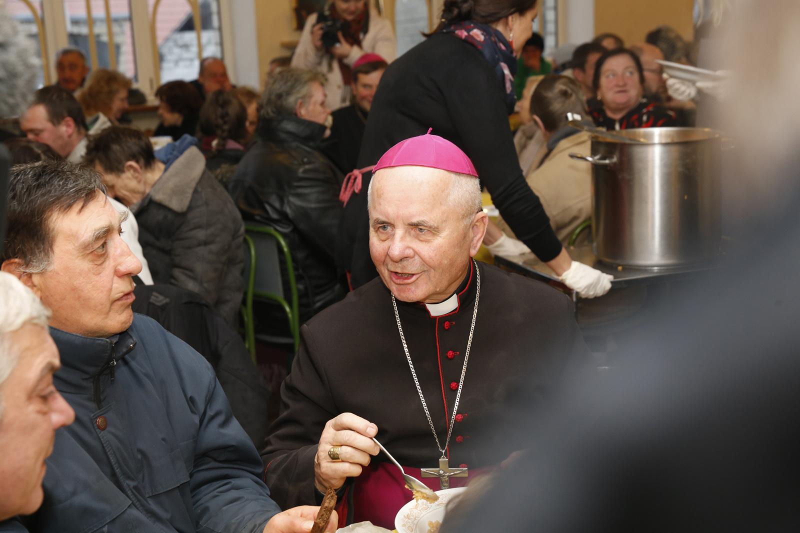 kardinolų prekybos galimybės kylanti kriptovaliuta investuoti 2021 m