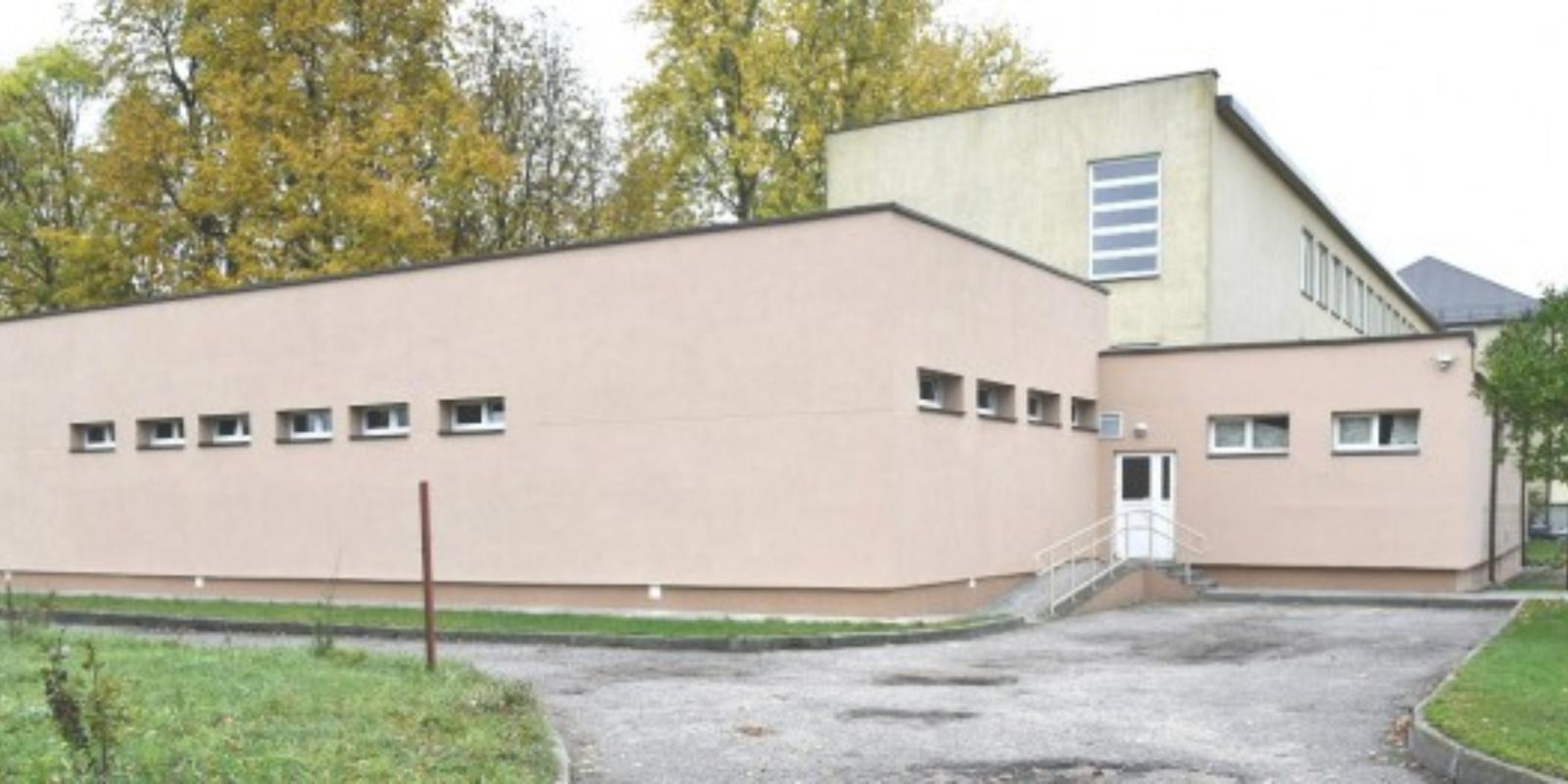 Perduota naudojimui Eišiškių gimnazijos teniso salė
