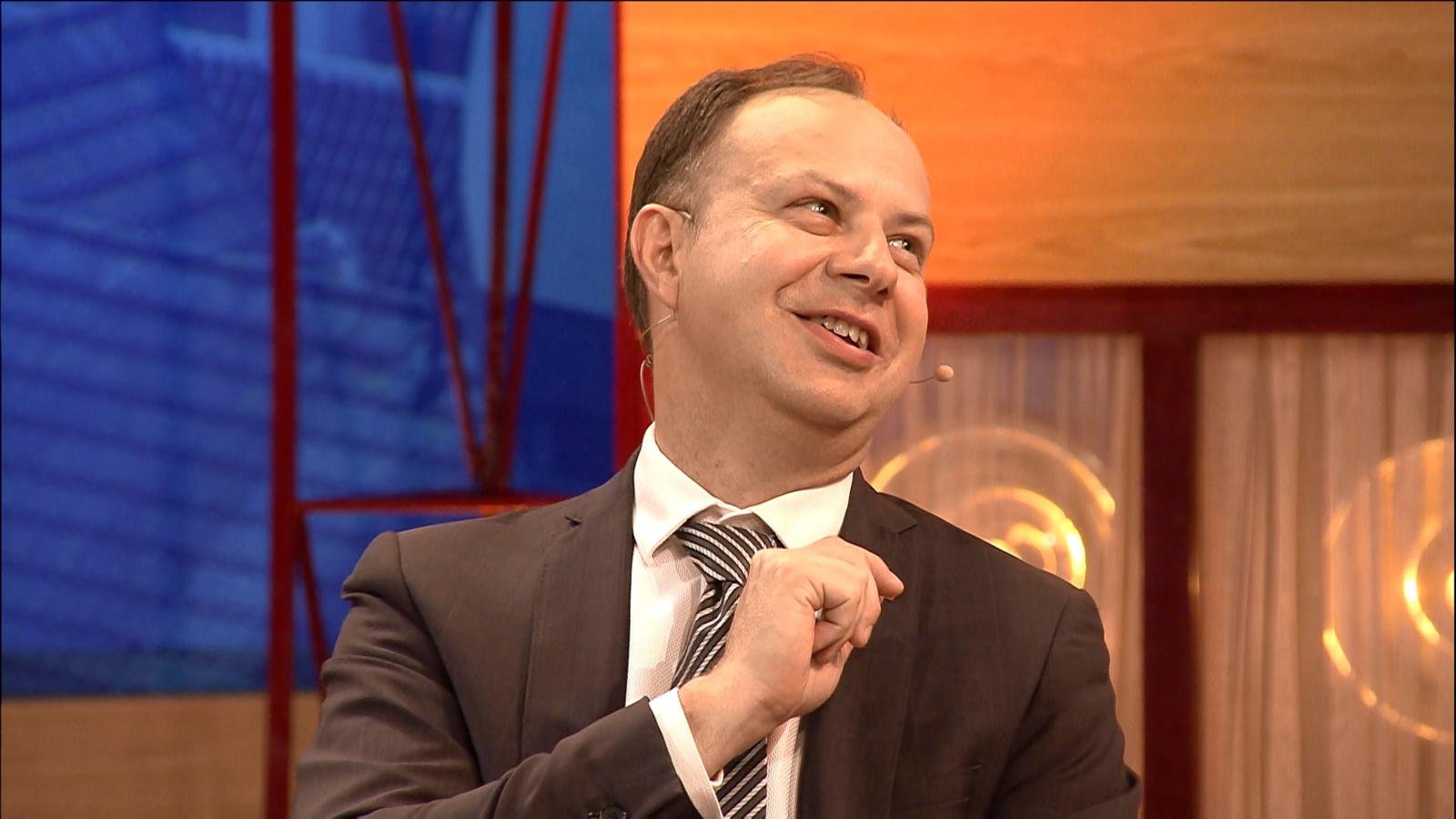 Vidas Bareikis privertė sveikatos ministrą Aurelijų Verygą groulinti (vaizdo įrašas)