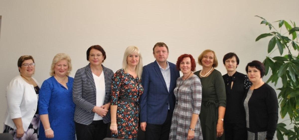 Pasirašyta kolektyvinė sutartis su rajono profesinių sąjungų organizacijomis