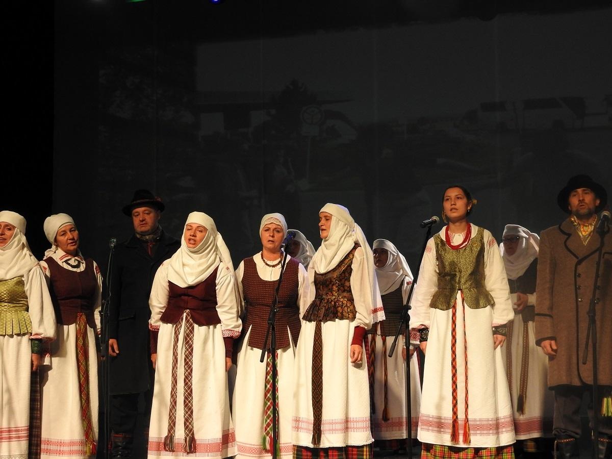 """Ignalinos krašto folkloro ansamblis """"Čiulbutė"""" džiaugiasi gražiu jubiliejumi"""