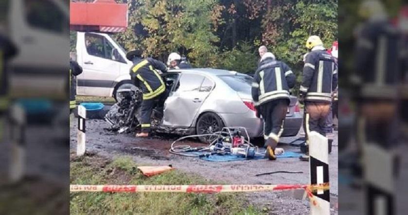 Klaipėdos rajone susidūrus lengvajam automobiliui ir kranui sužeisti trys žmonės