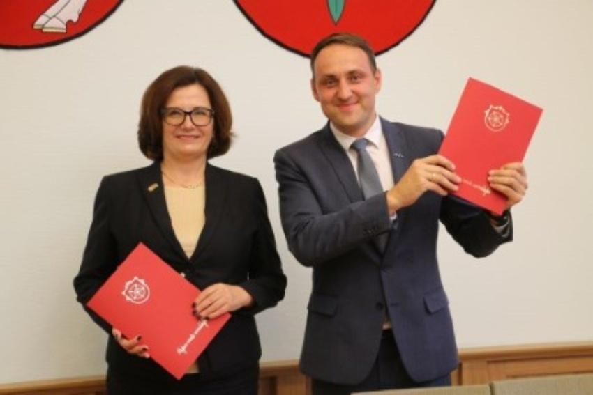 Alytus tampa universitetiniu miestu – pasirašyta bendradarbiavimo su VDU sutartis