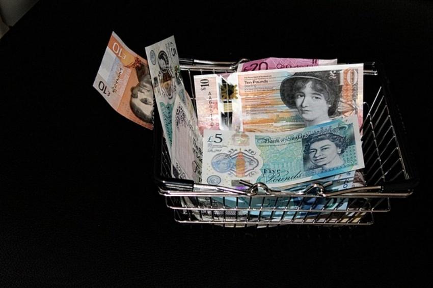 Pašoko britiškojo svaro sterlingų vertė