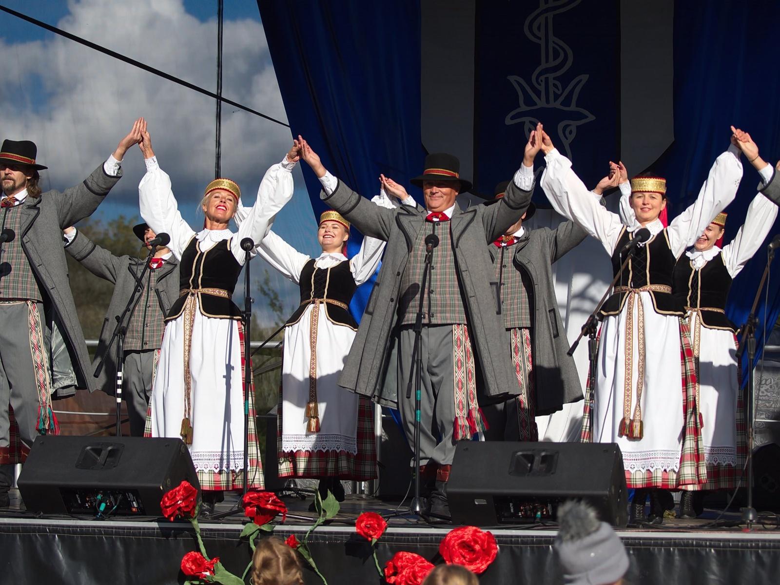 """Grigiškių kultūros centre prasideda mėgėjų meno festivalis """"Šalia kelio vieškelėlio"""""""