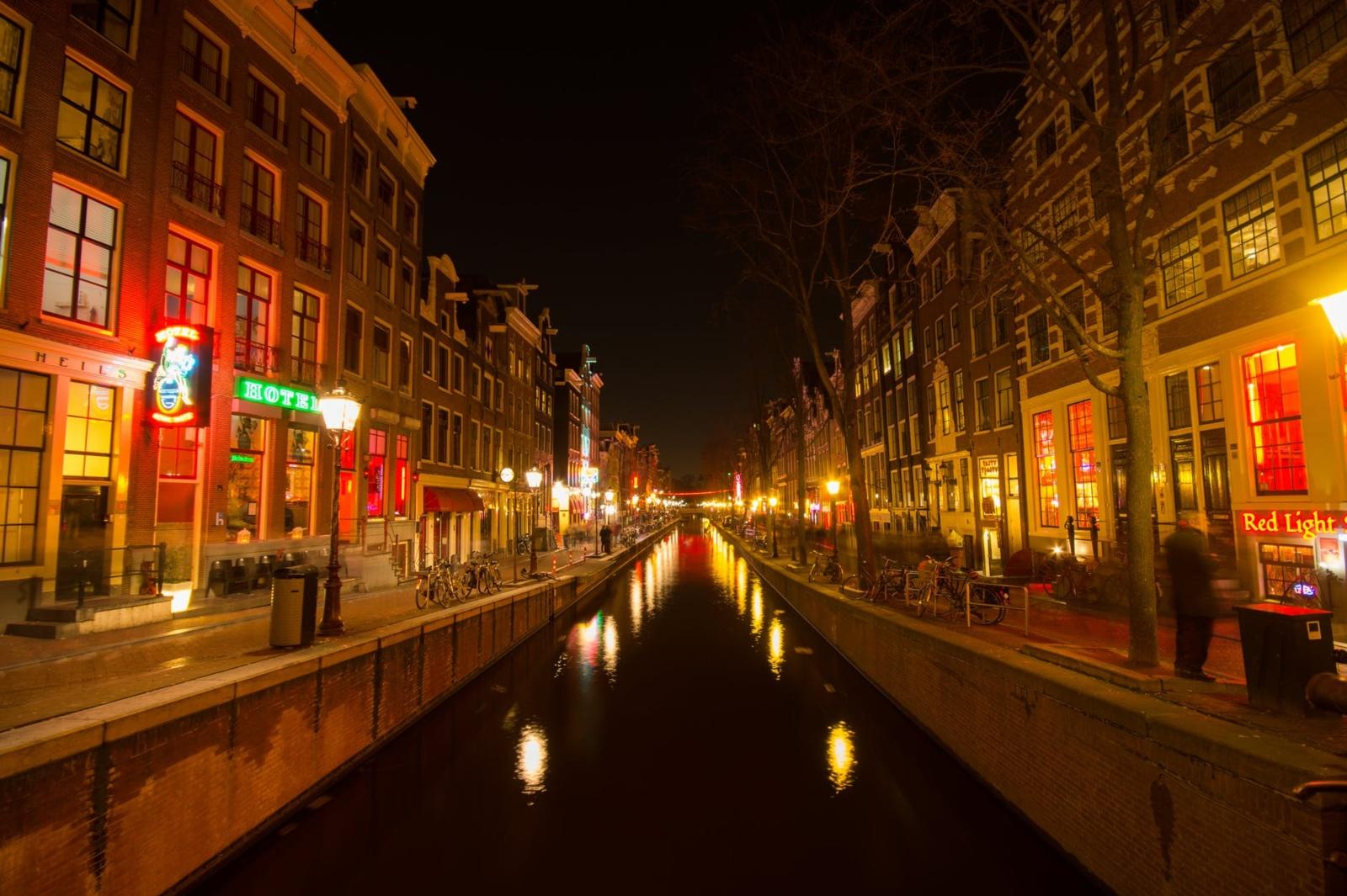 Nyderlanduose prostitučių amžiaus cenzas didinamas iki 21 metų