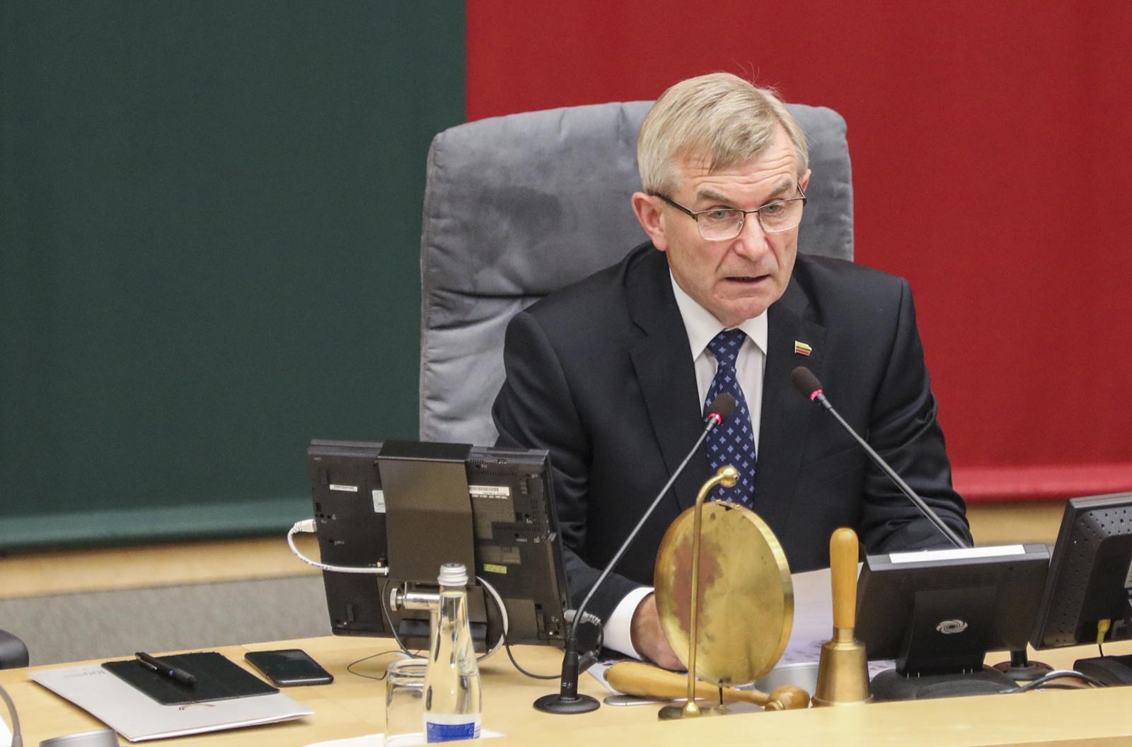 Bus vertinami V. Pranckiečio ir vėl pakartoti neteisėti veiksmai Seimo valdybos bei Seimo posėdžiuose