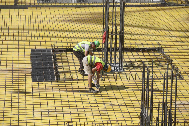 Vyriausybė pritarė statybininko kortelei