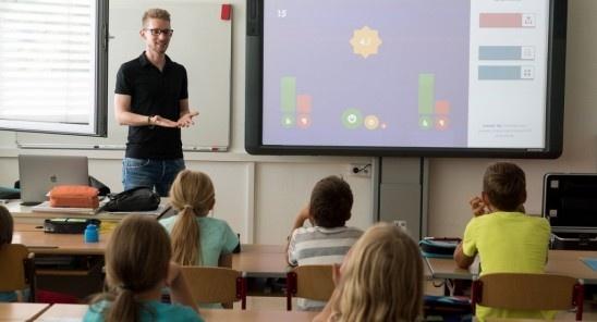 Vilniaus rajono mokiniai ir mokytojai į mokyklas važiuoja pigiau