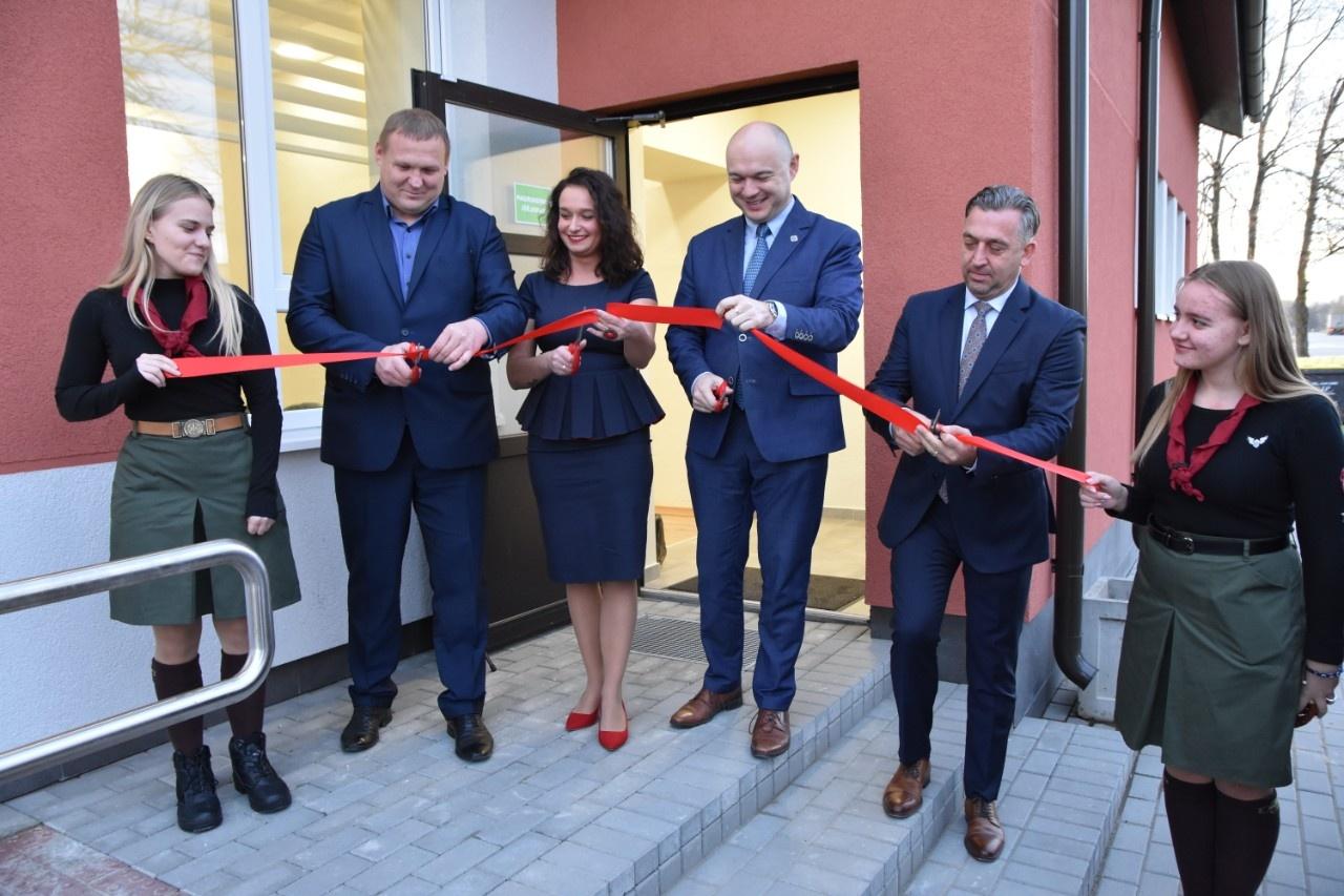 Atidarytas atnaujintas Bukonių kultūros centras