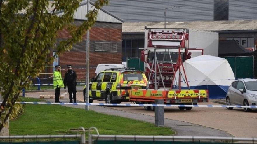Dėl sunkvežimyje Britanijoje rastų 39 negyvų žmonių areštuoti dar trys įtariamieji