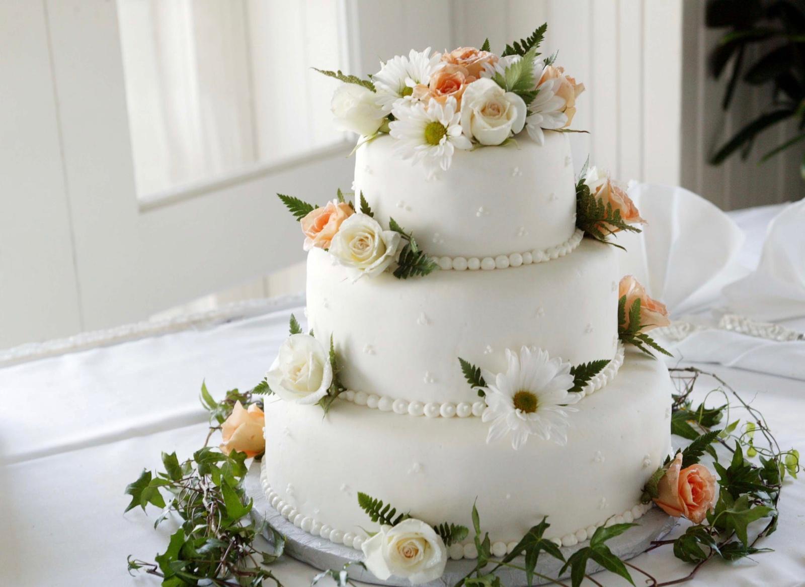 Vestuvinis tortas – būtinas šventės akcentas