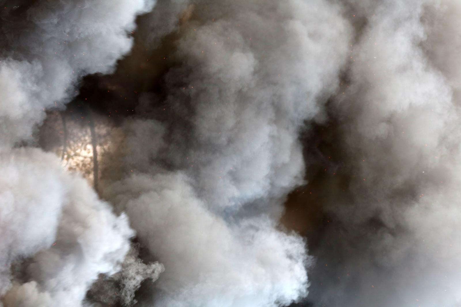Panevėžyje degė automobilių garažas