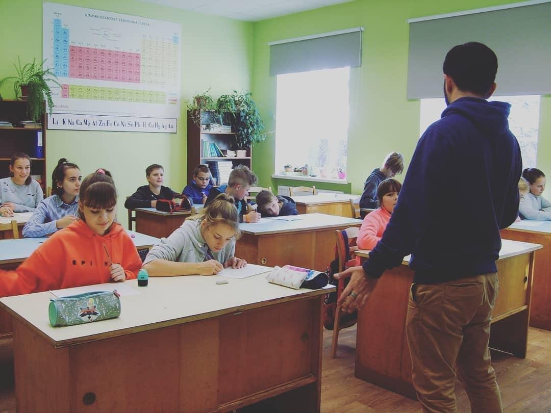 Savanoris dalijosi patirtimi Latvijoje