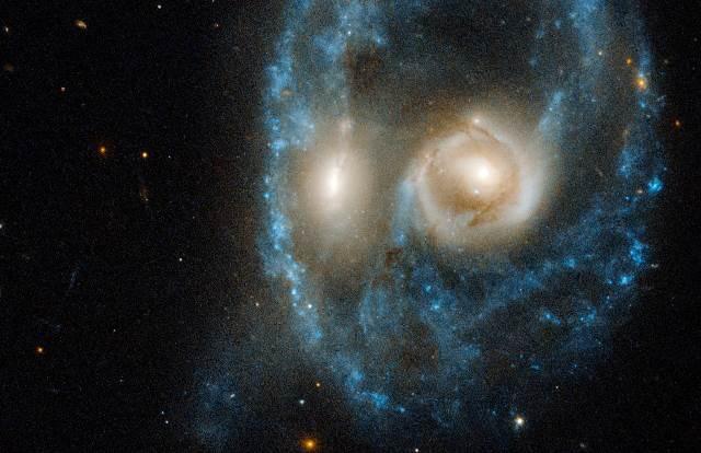 """NASA """"Hubble"""" teleskopas tolimajame kosmose užfiksavo šiurpų """"veidą"""""""