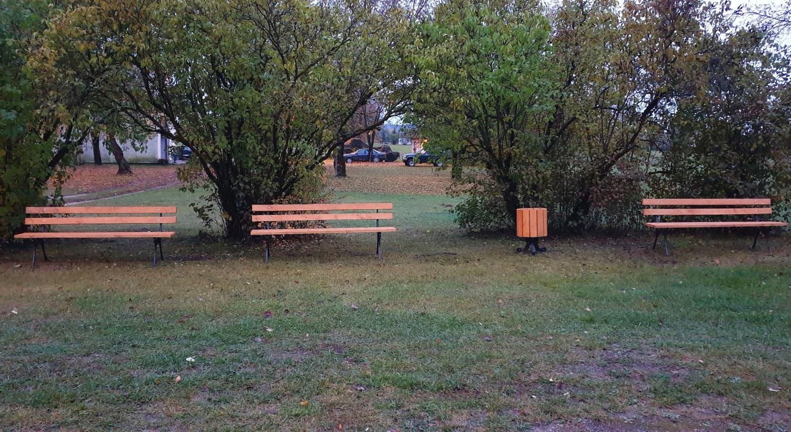 Tiltų kaimo bendruomenė atnaujino poilsio vietas