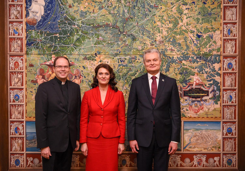 Prezidentas Šv. Kazimiero kolegijoje Romoje: esate tikri Lietuvos patriotai ir tikėjimo šaukliai
