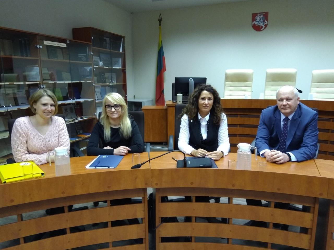 Valstybės vaiko teisių apsaugos ir įvaikinimo tarnybos vadovai pradėjo susitikimus su  teisėjais