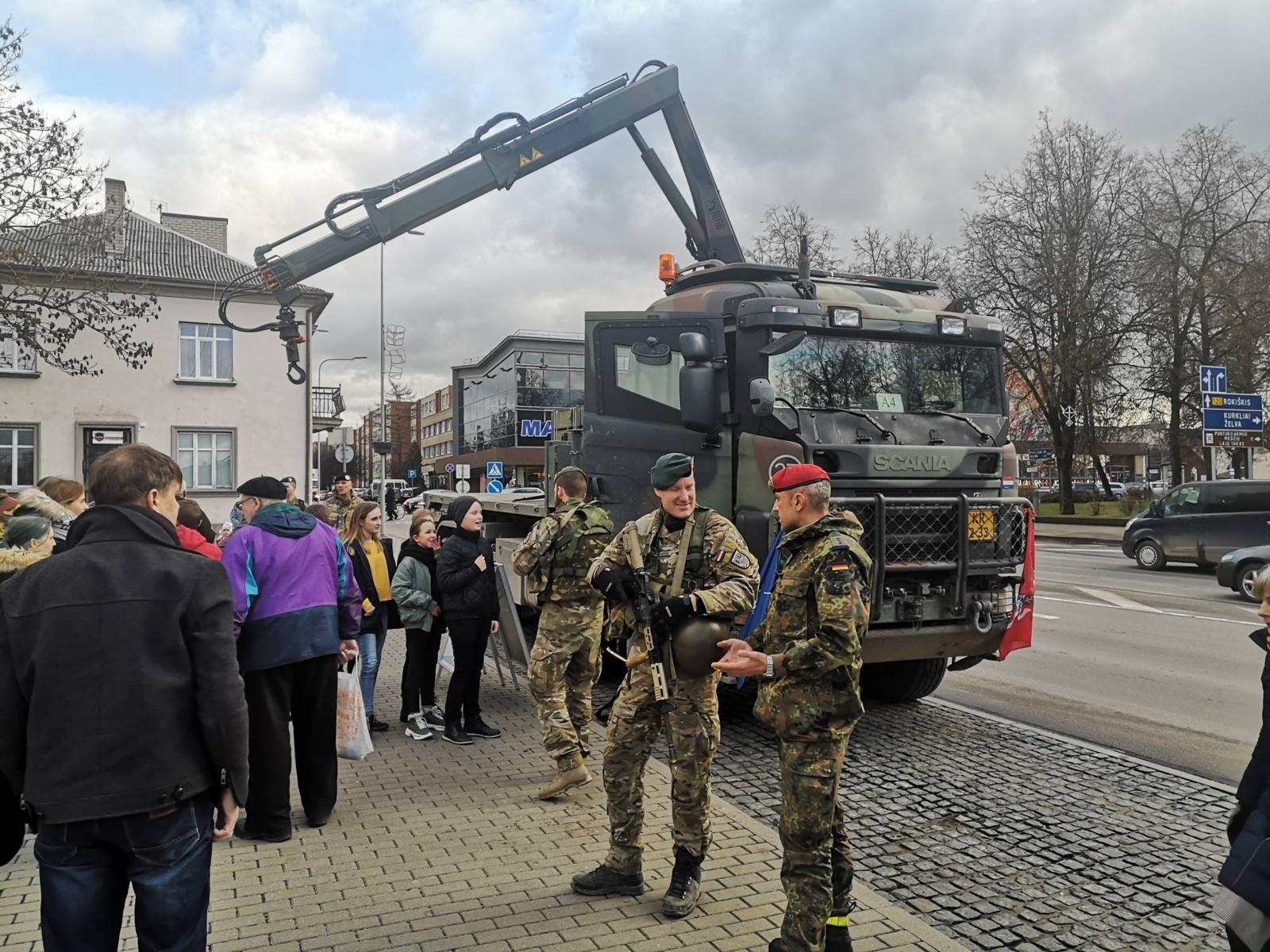 Anykščių gatvėse – NATO kariai